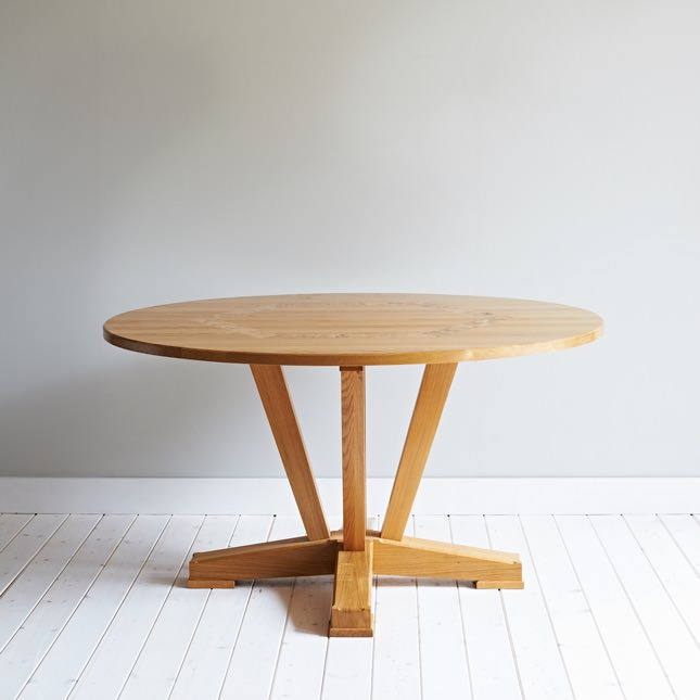 Dalesbred Oak Circular Table