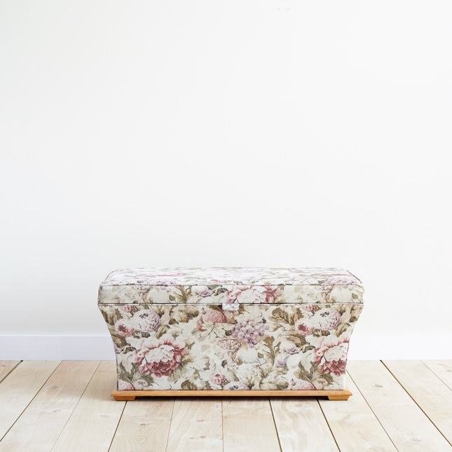 Lawkland Otterman upholstered in floral print