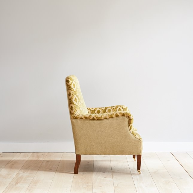 Side view of solid beech Tranbury arm chair
